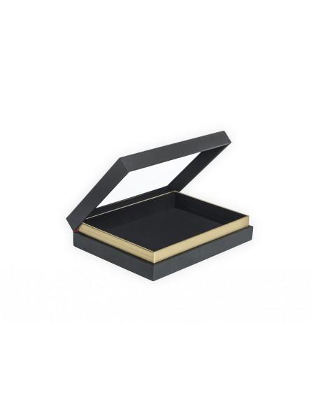 Boîte avec anneaux, fond noir, 26x19cm